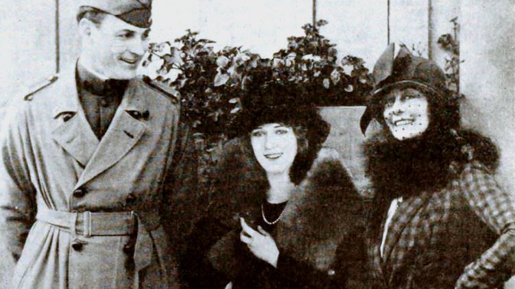Fred_Thomson,_Frances_Marion,_Mary_Pickford_-_Dec_1919_EH